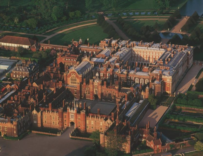 Hampton Court – Avenue And Dates